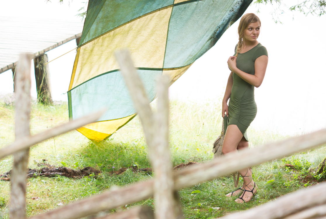 yellowgirl_Outfit_surfing-green_2