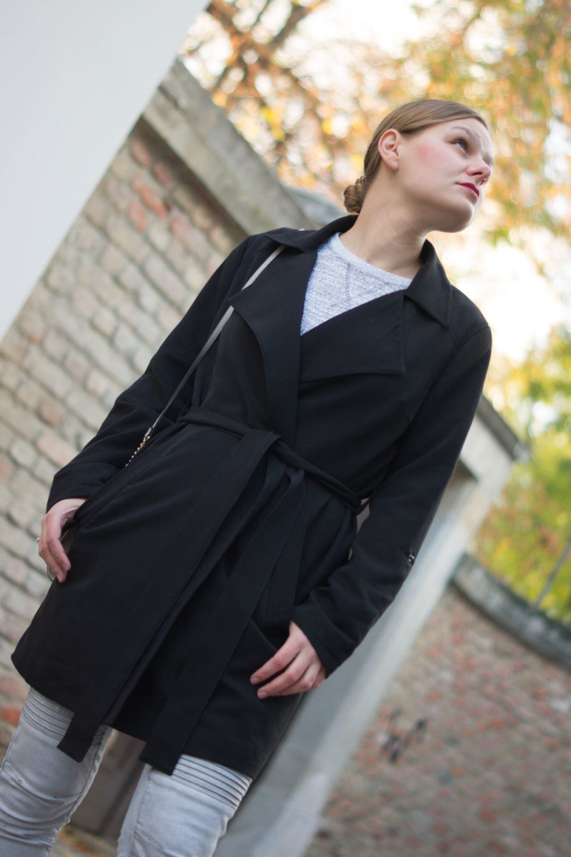 yellowgirl_trenchcoat-outfit_6