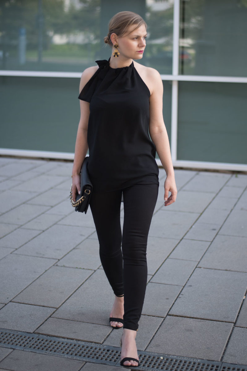 yellowgirl_Black_Gold_Outfit_2